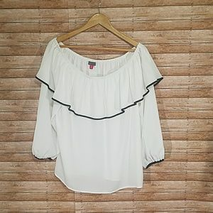 Vince Camuto off the shoulder ruffle blouse NWT